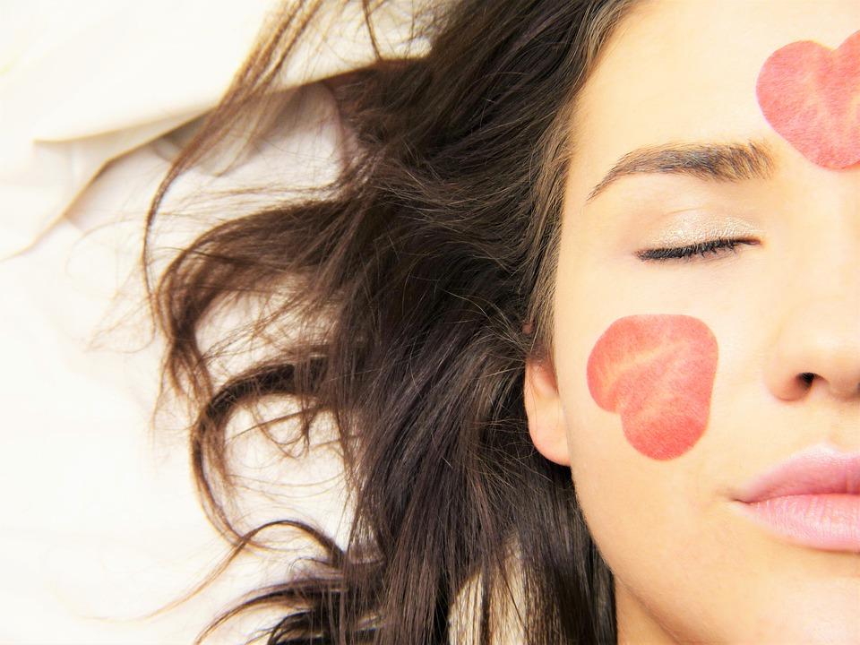 makijaż dla cery z trądzikiem