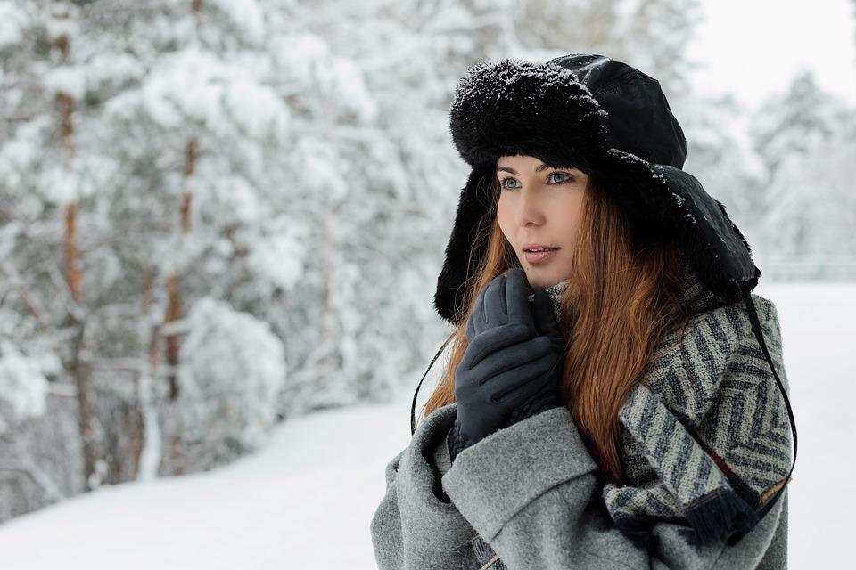 jak dbać o skórę na nartach